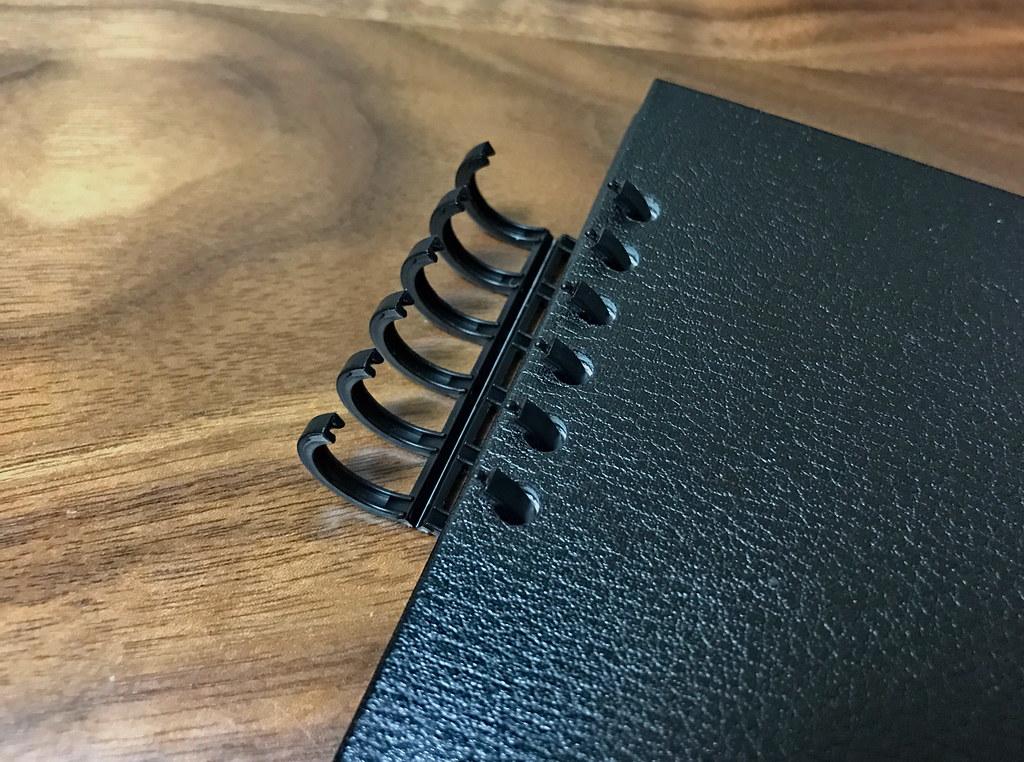 カレンダー手帳留め具開閉