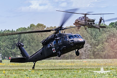US ARMY UH-60 MEDEVAC_AH3V8554