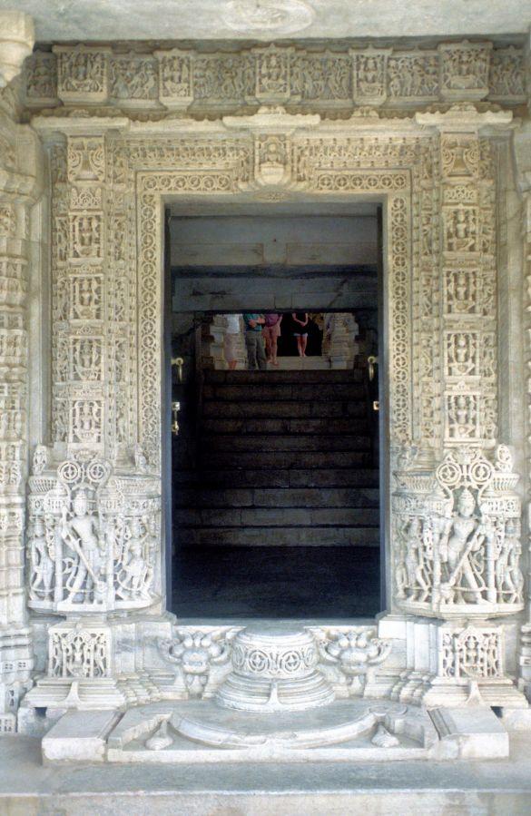 063-1BikanerTempelingangIndia1995