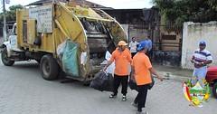 En Chone ciudadanía colabora con recolectores de basura