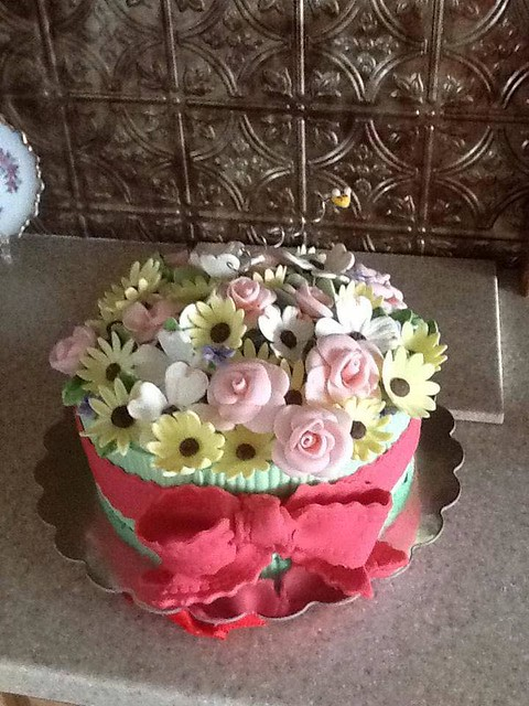 Cake by Laura Redfern Kietzmann of Momma K's Cakes