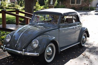 VW_Beetle_Cabrio_1949_R1
