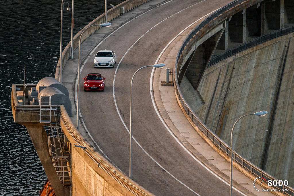 Mazda MX5 RF vs SUBARU BRZ - 8000vueltas-59