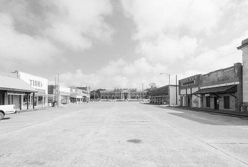 Main Street & Trinity County Courthouse, Groveton, Texas 1709161010bw