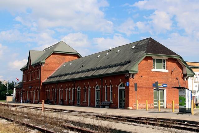 Niagara Falls Railway Station, Canon EOS REBEL T5I, Canon EF-S 18-200mm f/3.5-5.6 IS