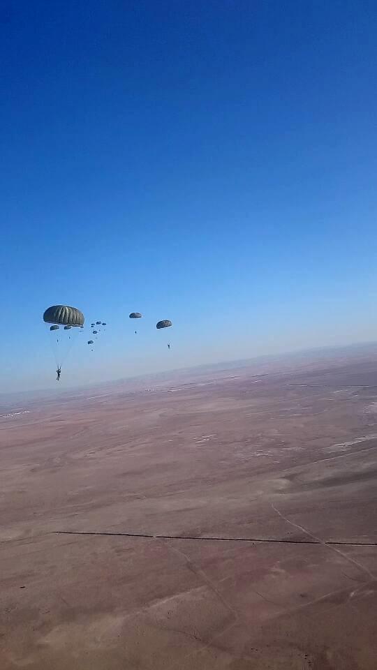 موسوعة الصور الرائعة للقوات الخاصة الجزائرية - صفحة 63 36561185893_07543f1eec_b