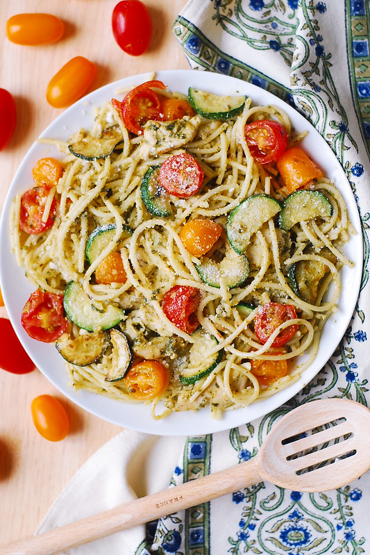 chicken pesto pasta, zucchini chicken pasta, dinner pasta recipe, Summer spaghetti pasta, Autumn spaghetti pasta