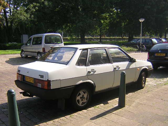 Lada Samara 1.5 Diva (04 02 1992)