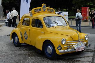 Renault_4CV_TouringSecours_1958_R1