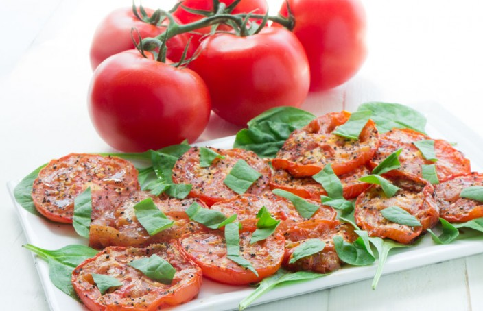 Roasted-Tomato-Salad_6-704x454