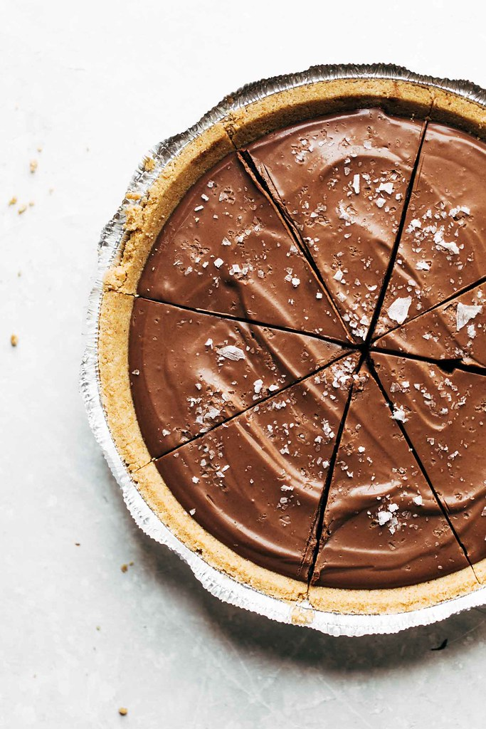 Vegan-Chocolate-Pie-1-1