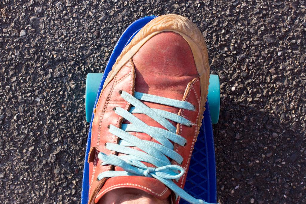 ウィールと靴紐の色を揃える