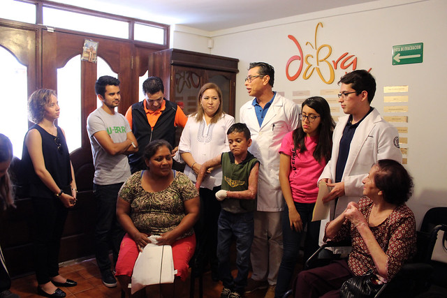 Donativo Debra por el Maratón de Ritmos Latinos