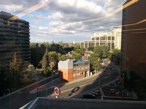 East along Church Street #toronto #torontoreferencelibrary #rosedale #churchstreet #skyline