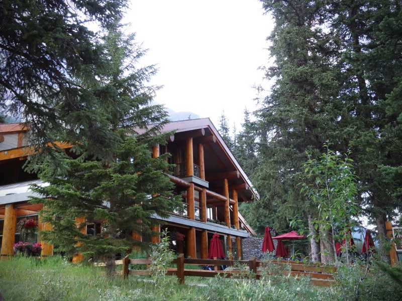Lake Moraine lodge