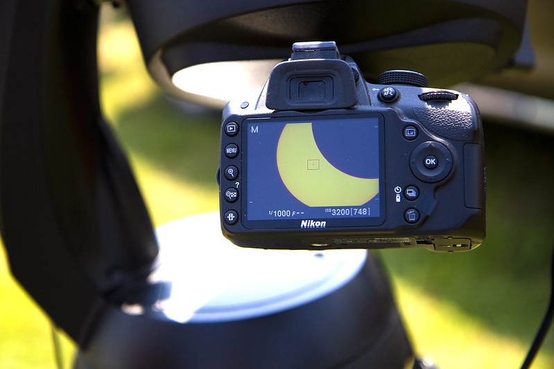 solar eclipse -mounted camera