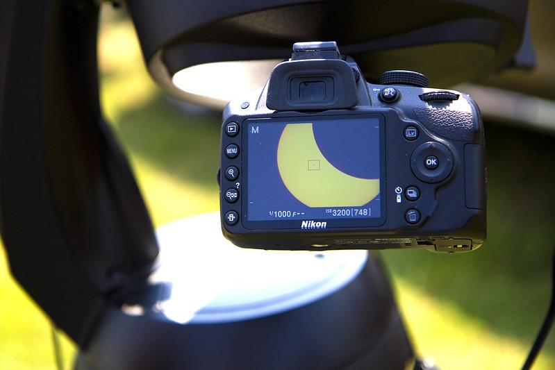 solar eclipse -mounted camera