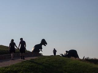 Obrázek Dinosaur Park. silhouette dinosaur rapidcity tyrannosaurusrex dinosaurpark statue triceratops southdakota unitedstates us