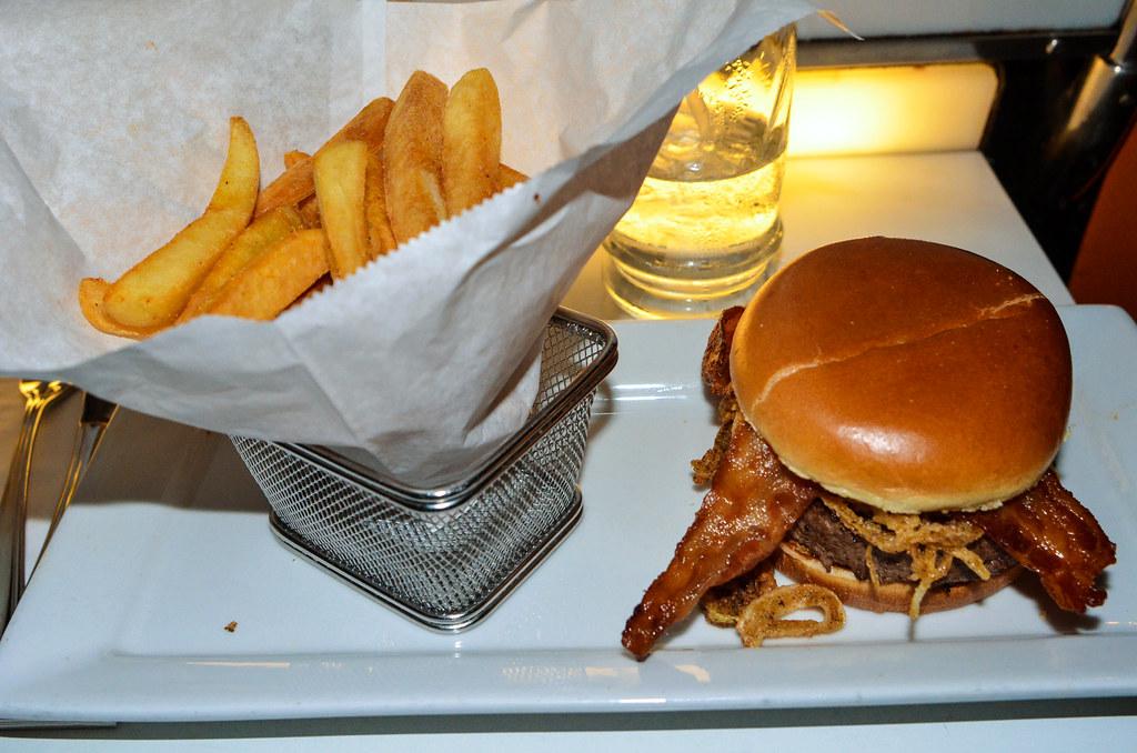 Sci Fi bbq burger DHS