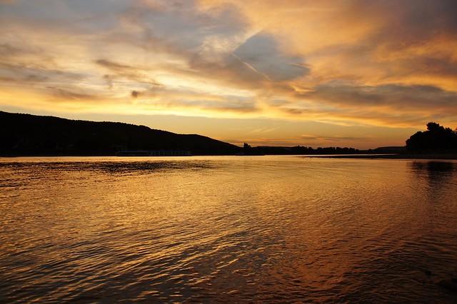 Sonnenuntergang am Rhein bei, Sony SLT-A58, Tamron AF 28-105mm F4-5.6 [IF]