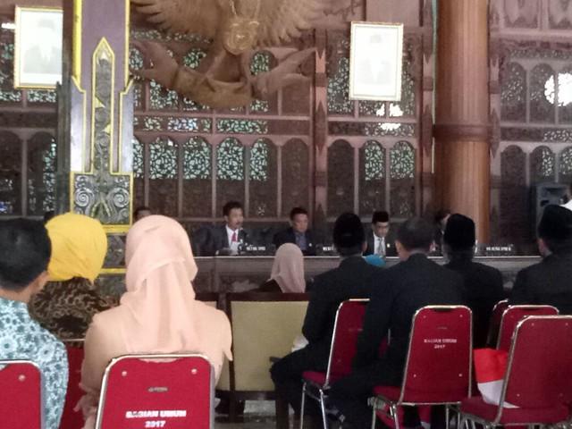 KPU TULUNGAGUNG HADIRI RAPAT PLENO ISTIMEWA DPRD KABUPATEN TULUNGAGUNG