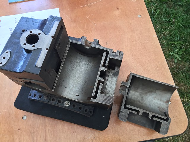 Cut up Cylinder Block  36405421780_7eb42382c7_z