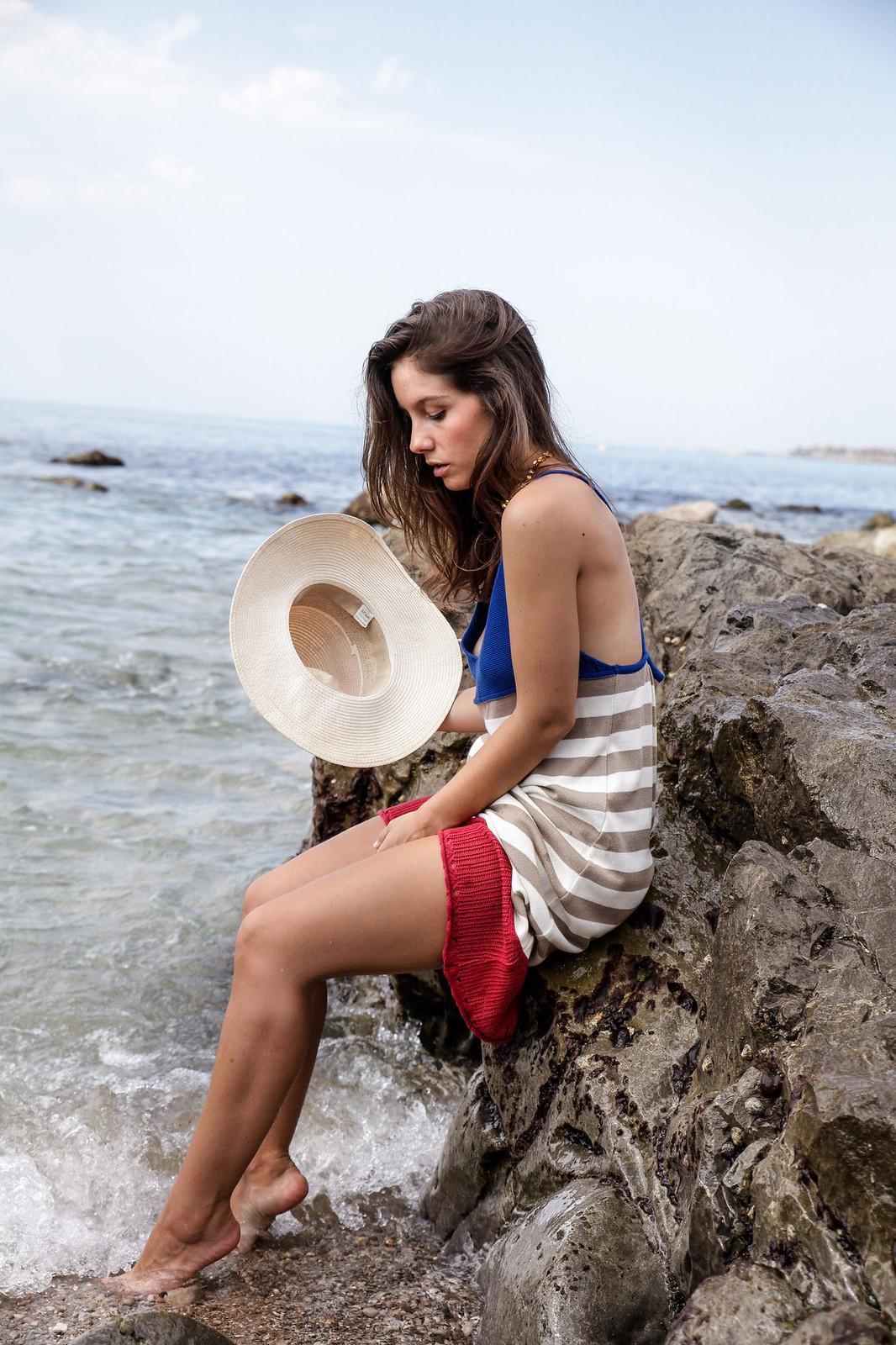 05_vestido_de_punto_rayas_rüga_coleccion_verano_the_guest_girl_ambassador_theguestgirl_barcelona_spain_cubelles_cala_secreta_sitges_influencer_moda_fashion_boho_