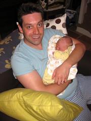 FR10 1243 Holding my baby James. Montréal, Aude