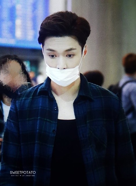 170909 Lay at PEK and Incheon Airport