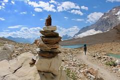 Iceline Trail blazing rocks