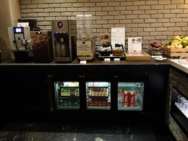 滿滿一冰箱的飲料@高雄喜達絲飯店