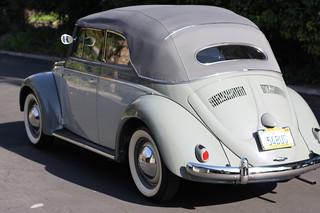 VW_Beetle_Cabrio_1949_R2