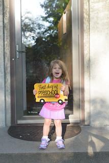 girls first day preschool-6