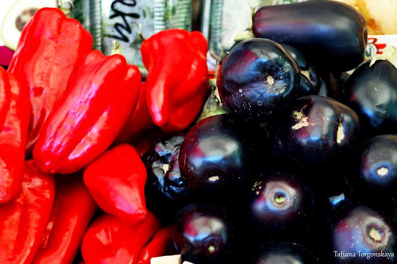 Красный перец и баклажаны