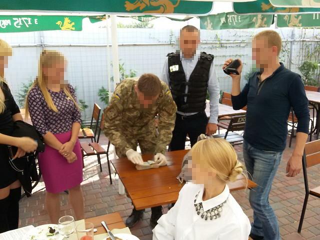 У Кропивницькому СБУ викрила на хабарі заступника начальника фіскальної служби області
