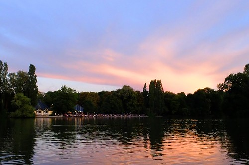 germany munich deutschland münchen bayern bavaria schwabing englischergarten englishgarden kleinhesselohersee lake sunset afterglow clouds see reflection spiegelung water wasser nature natur sommer summer ©allrightsreserved