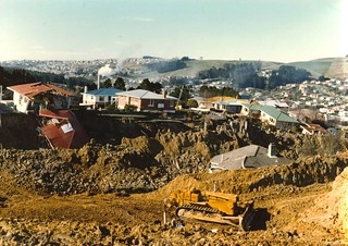 Abbotsford Landslide - looking across the chasm from end of Edward Street, 10 August 1979
