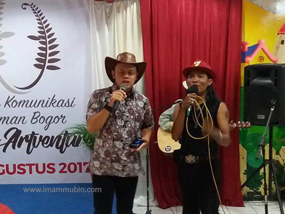 walikota bernyanyi bersama KPJ