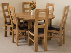 Edmonton Oak Extending Dining Table with 6 Yale dining chairs