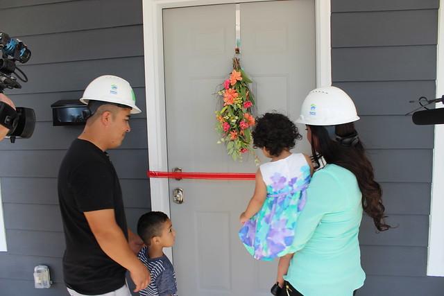 Ag Build 2017 - Espitia Hernandez and Quintero Families