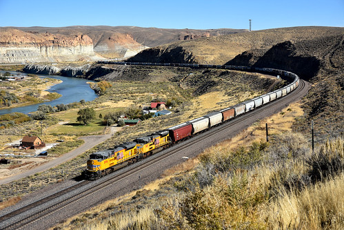 UP 8996 west Grain, Green River WY 09.10.2016