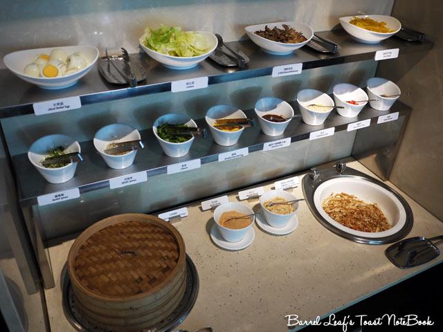 ambassador-hotel-aqua-lounge-buffet (24)