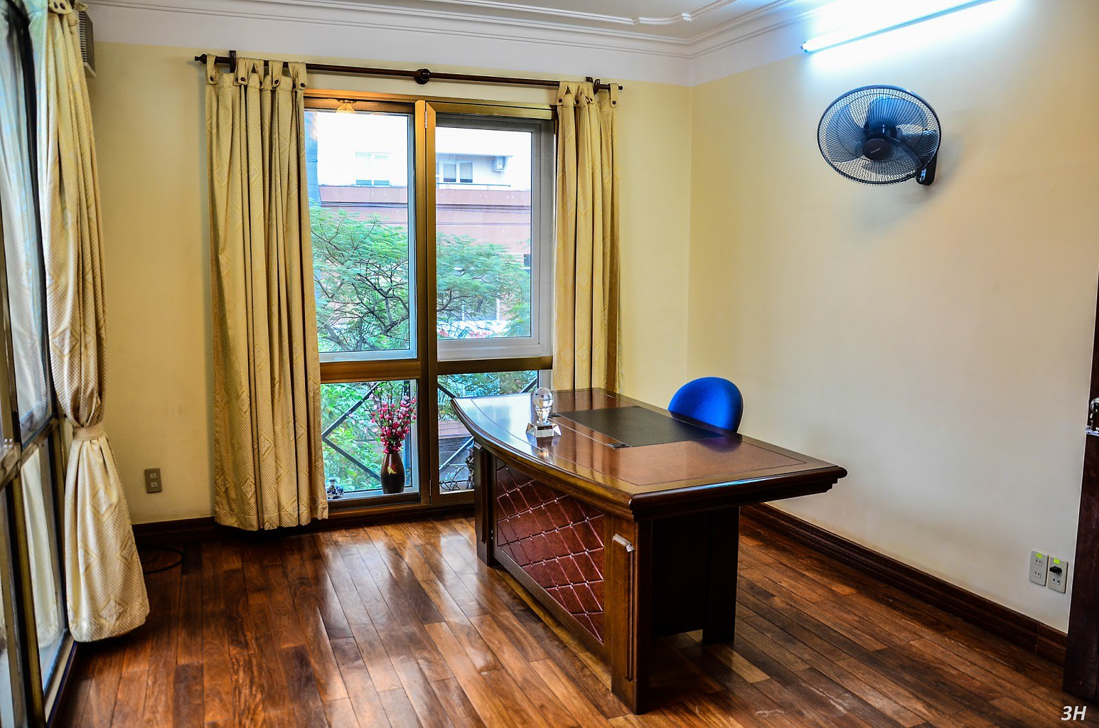 """Khách sạn Hải Phòng - Phòng làm việc Tân Long Văn Cao Garden Serviced Apartment & Hottel  <img src=""""images/"""" width="""""""" height="""""""" alt=""""Công ty Bất Động Sản Tanlong Land"""">"""