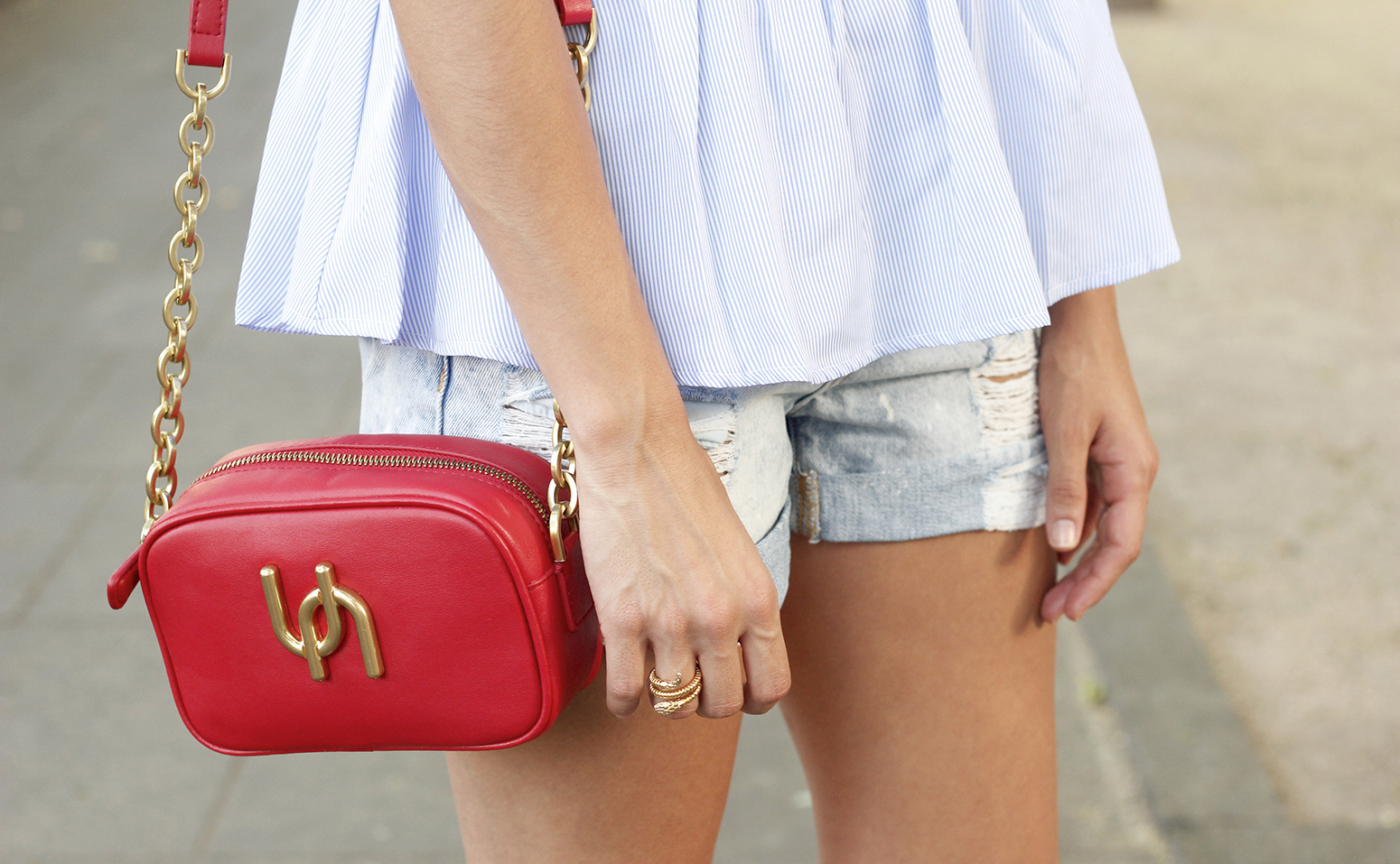 striped top with frills casual outfit summer denim shorts red fashion style04
