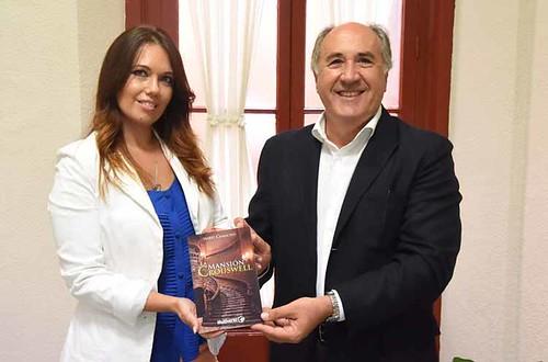 Libro Isabel  Camacho1
