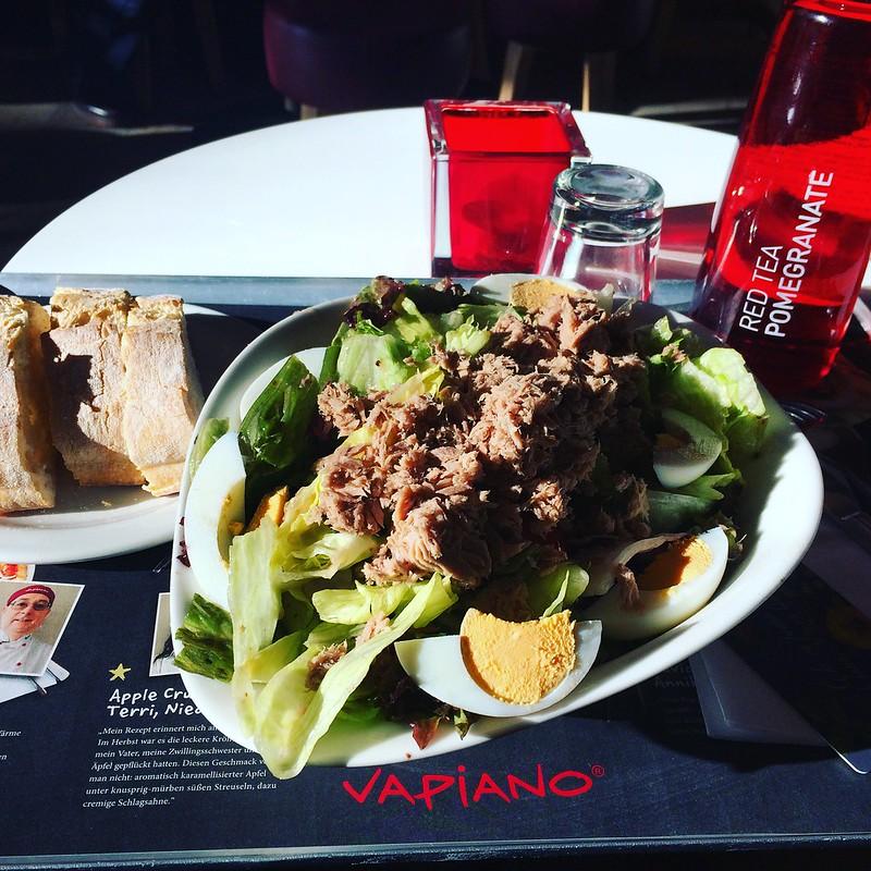Salat Nicoise bei Vapiano