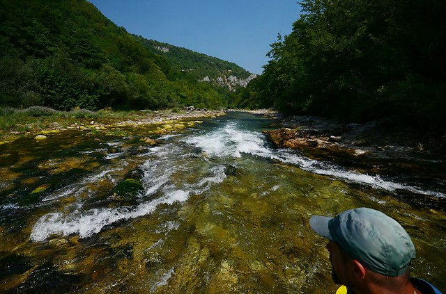 Let's go to the Neretva rafting
