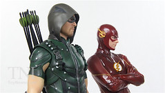 CW Arrow & The Flash ArtFX+ Statues Video Review & Image Gallery