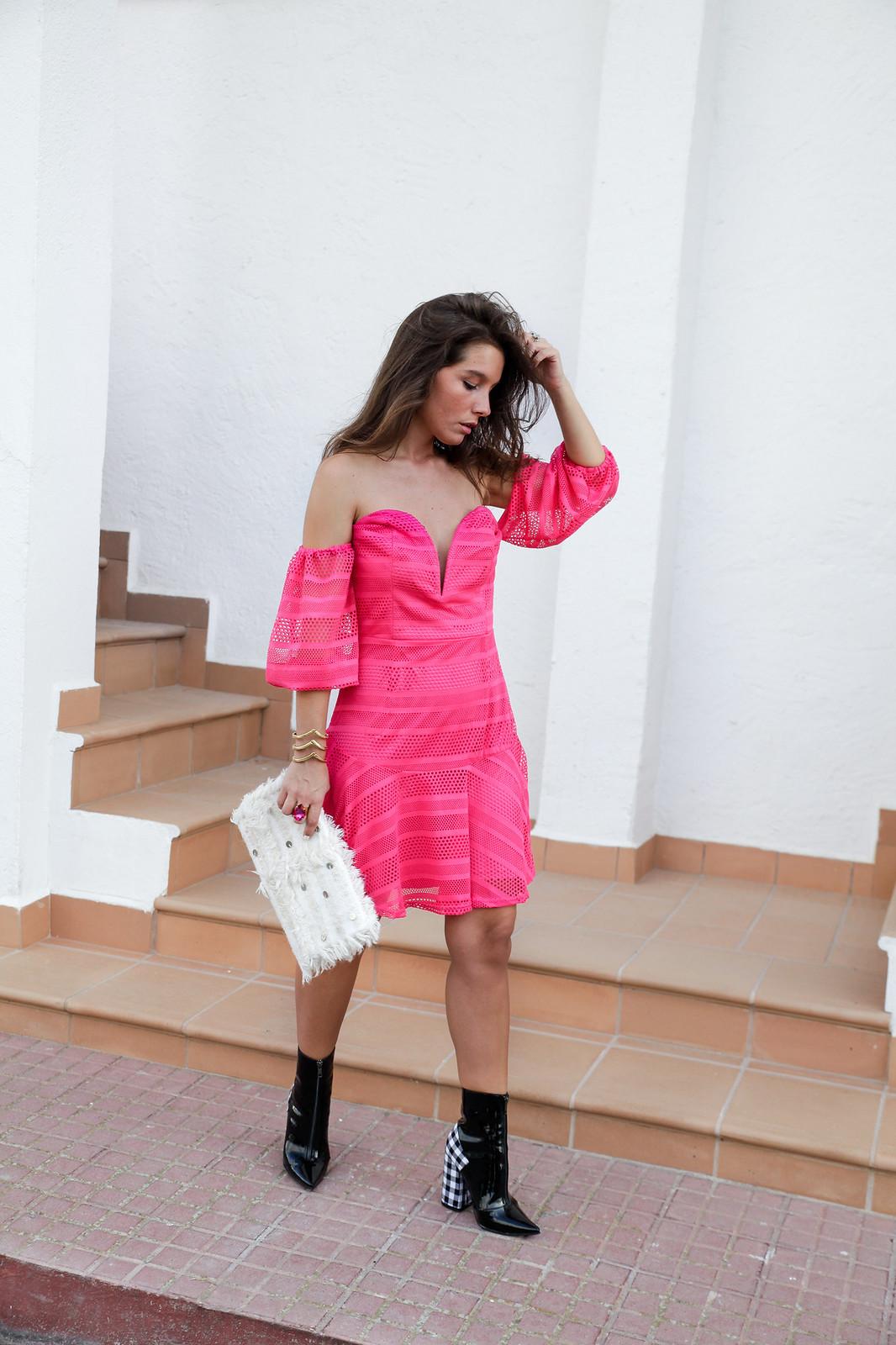 08_vestido_rosa_off_shoulder_danity_paris_pink_dress_theguestgirl_outfit_boots_vichy_trend_alert