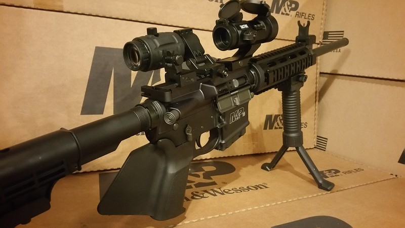 California Legal AR15 CA Legal M&P15 Smith & Wesson 3x magnifier Red Dot